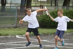 Lekkoatletyczne zawody rozpoczęły sportowy rok szkolny bartoszyckich podstawówek