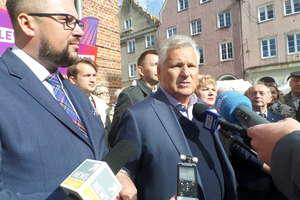 Aleksander Kwaśniewski murem za lewicą
