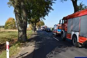 Zderzenie 3 samochodów z udziałem 8 osób... Pasażer przewieziony do szpitala
