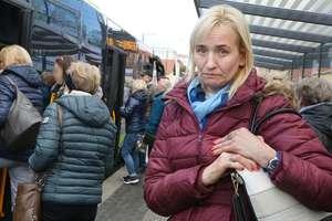 Uderzyła głową w lusterko w czasie wysiadania z olsztyńskiego autobusu. Nam mówi: