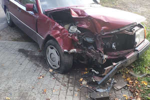 Poważny wypadek niedaleko Olsztyna. Jedna osoba trafiła do szpitala
