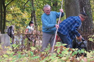 W sobotę polecamy wspólne sprzątanie cmentarzy na Wzgórzach Dylewskich