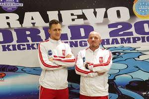 Zadowolony trener i zawodnik — Piotr Kołakowski na Mistrzostwach Świata w Sarajewie