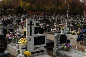 Nowomiejskie cmentarze przed Dniem Wszystkich Świętych