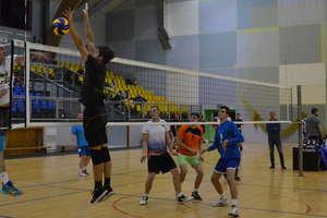 Osiem drużyn zagra o amatorskie mistrzostwo Ostródy w siatkówce