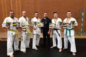 5 medali i 2. miejsce w klasyfikacji grupowej ełckich karateków