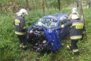 Wypadek na krajowej 57 z udziałem samochodu osobowego i ciężarówki
