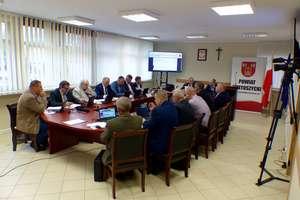 Sesja rady powiatu: zły stan finansowy szkół tematem numer jeden