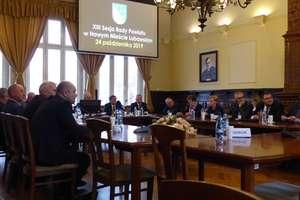 O schronisku dla zwierząt podczas sesji Rady Powiatu