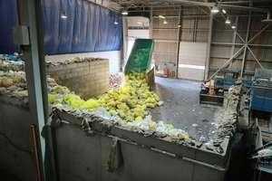 Gmina postara się o dofinansowanie usuwania folii oraz odpadów