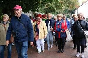 Wolontariusze z Klubu Ośmiu zwiedzali Gdańsk razem z seniorami