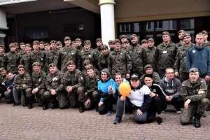 Terytorialsi z Giżycka wraz z uczniami z SOSW pobiegli po zdrowie dla Michalinki!
