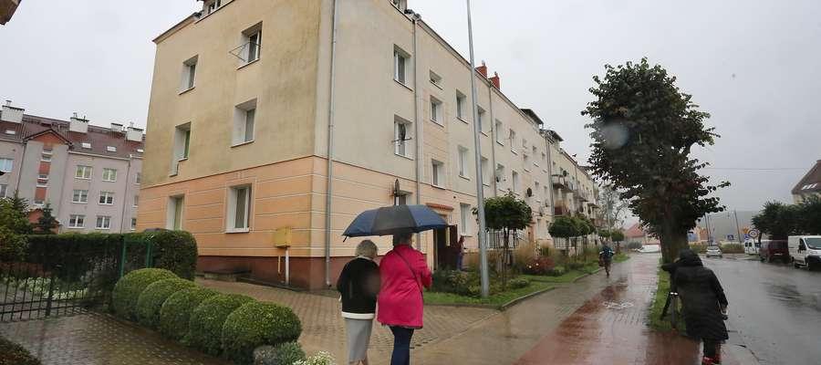 Cały Lidzbark Warmiński jest wstrząśnięty tym, co stało się w kamienicy przy ulicy Piłsudskiego
