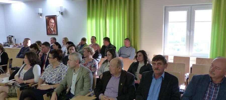 O szkołach dyskutowali podczas sesji rady gminy