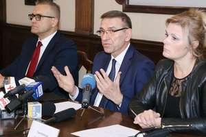 Prezydent Grzymowicz płaci za Helpera [ZDJĘCIA, VIDEO]