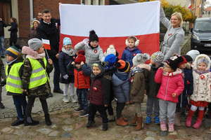 Przedszkolaki obchodzą Dzień Niepodległości