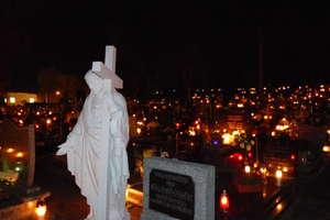 Historię nowomiejskiego cmentarza warto przypomnieć, chociażby przy okazji dnia Wszystkich Świętych, kiedy częściej odwiedzamy nekropolię.