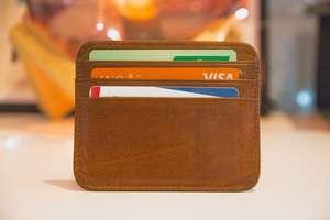 Młodzi nie chodzą już do banku. Do gry wchodzi pokolenie które przyszło na świat ze smartfonem w ręku