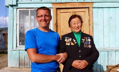 Karol Fryta z Tamarą Jegorową, prowadzącą muzeum bieguna zimna