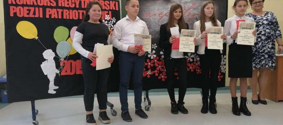 W konkursie recytatorskim wzięło udział 18 uczniów ze szkół podstawowych gminy Ostróda