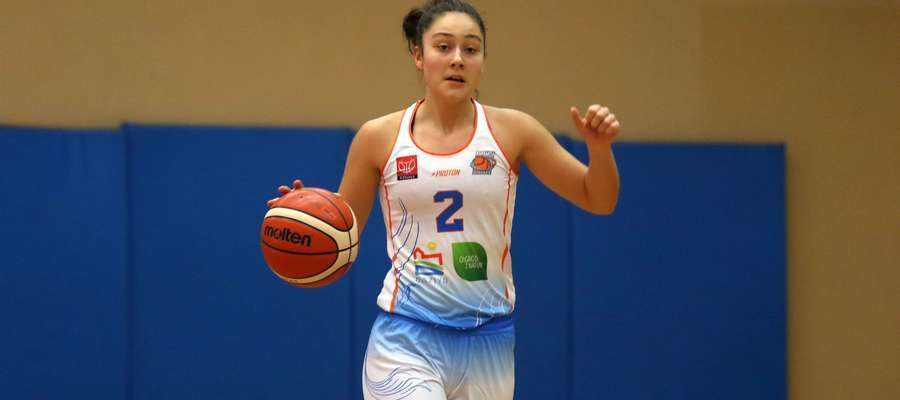 Marta Sztąberska rzuciła w Łomiankach 16 punktów