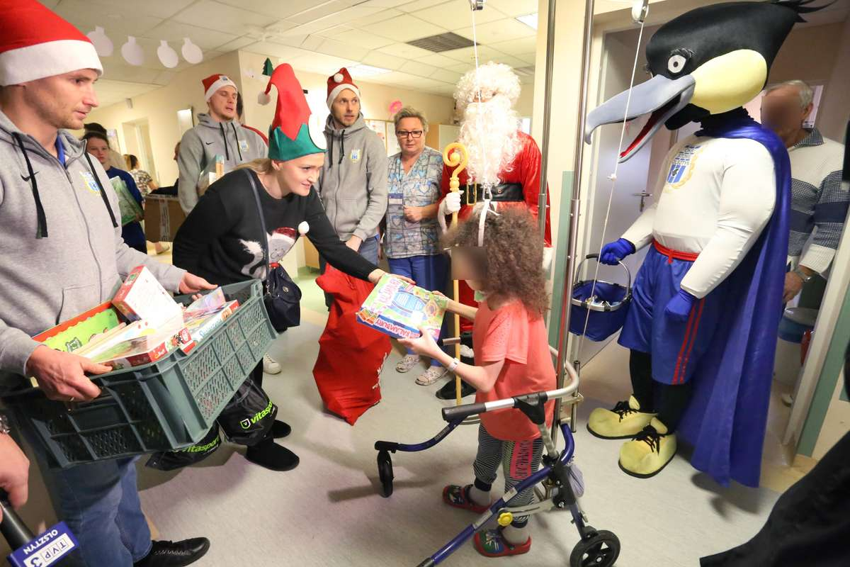 Mikołaje w Szpitalu Dziecięcym