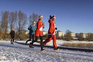 W sobotę na parkrun Mały Jeziorak nie zapomnij czapki Mikołaja, a najlepiej weź cały strój!