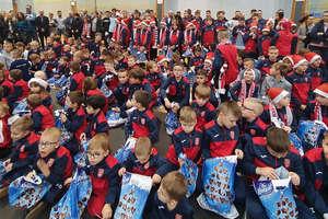 Był Mikołaj i prezenty, AP Ostróda podsumowała kolejny piłkarski rok [zdjęcia]