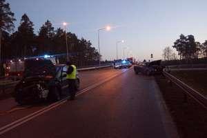 Wypadek na DK 16. Dwie osoby trafiły do szpitala