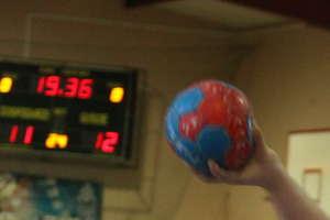 Sport szkolny. Rzuty karne zdecydowały o zwycięstwie SP 1 w turnieju piłki ręcznej