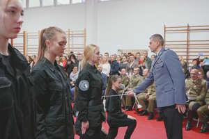 Uczniowie klas policyjnych złożyli uroczystą przysięgę