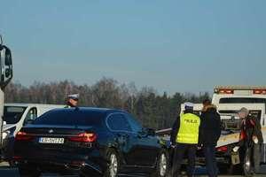 Limuzyna Jarosława Gowina zderzyła się z ciężarówką na DK7 tuż przy granicy województw mazowieckiego i warmińsko-mazurskiego [AKTUALIZACJA, ZDJĘCIA]