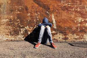 Polskie dzieci czują się nieszczęśliwe i samotne