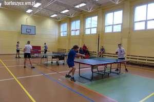 Sport szkolny. Jakub z SP 4 zwyciężył w turnieju tenisa stołowego
