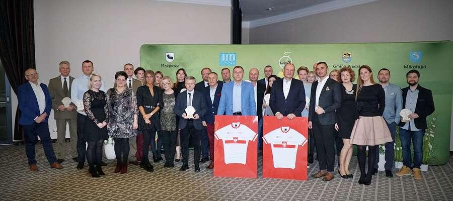 Podczas gali uhonorowano osoby i instytucje wspierające wyścigi