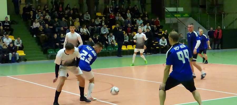Pierwszej porażki w tegorocznych rozgrywkach doznali piłkarze zespołu Isoroc Polska