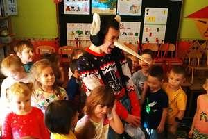Wolontariusze przygotowali dzieciom niespodziankę
