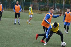 Piłkarze Sokoła wyjechali na ośmiodniowe zgrupowanie do Cetniewa