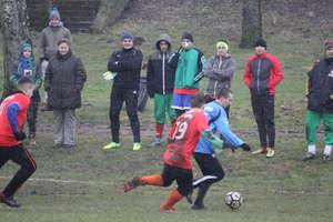 Zimowy turniej piłkarski w okrojonej obsadzie. Jedna z drużyn zrezygnowała