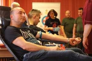 Chętnych do oddawania krwi w Klubie Wojskowym nie brakowało