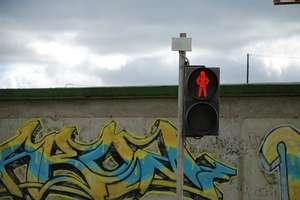 22-latek przechodził na czerwonym świetle przez przejście dla pieszych w Olsztynie. To nie jedyne jego przewinienie...
