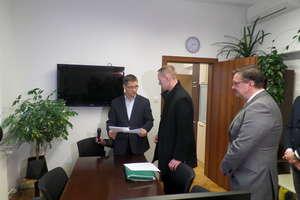 Jest powiadomienie o referendum w sprawie odwołania prezydenta Olsztyna Piotra Grzymowicza
