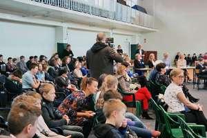 """""""W SKO OSZCZĘDZAMY NA ZDROWIE"""" V Forum Ekonomiczne dla uczniów szkół podstawowych w SP 3 w Biskupcu"""
