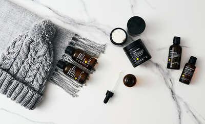 Jak zadbać o skórę zimą? Eksperci polecają naturalne surowce kosmetyczne