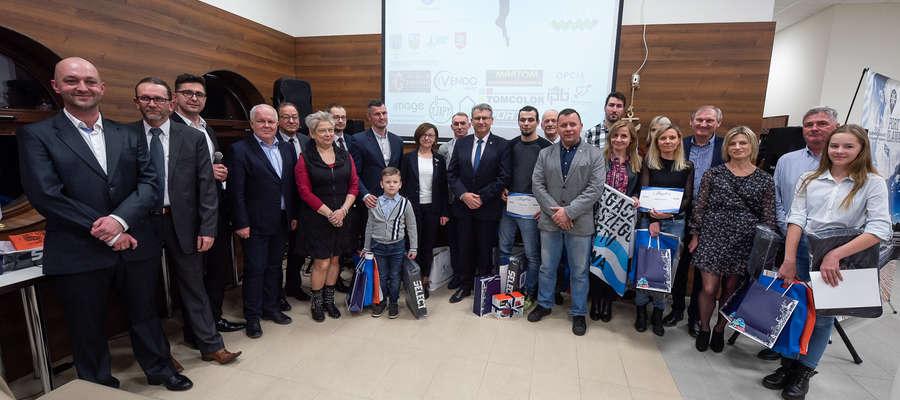 Zdjęcie uczestników Gali podsumowującej nasz Plebiscyt Sportowy za 2018 rok