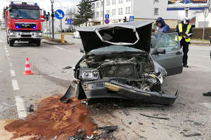 70-letni kierowca mercedesa doprowadził do zderzenia w Olsztynie [ZDJĘCIA]