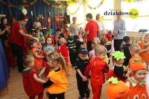 Tańczące witaminki – bal karnawałowy w Jedynce