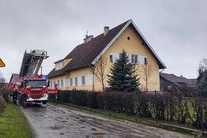 Pożar szkoły w Barczewku. Dzieci i pracownicy zostali ewakuowani z budynku