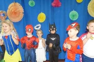 Karnawałowe zabawy i tańce w Przedszkolu Miejskim w Nowym Mieście