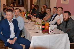 Piłkarska rodzina Tęczy Miłomłyn spotkała się na Balu Piłkarza 2020 [ZDJĘCIA]
